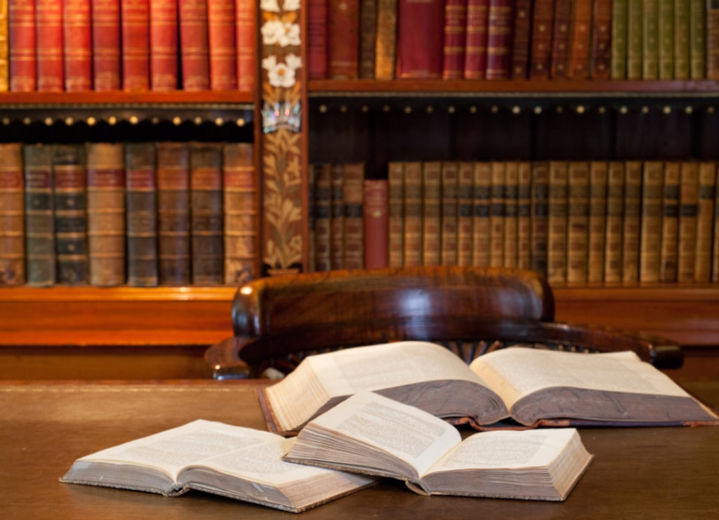 best-tips-on- dissertation-writing-daunting-task-for-law students